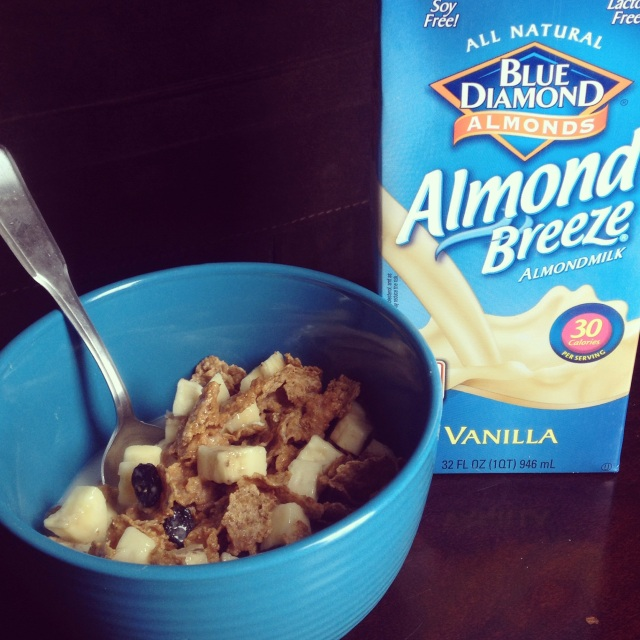 Almond Breeze Unsweetened_Cereal