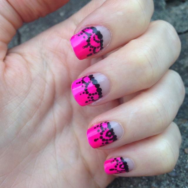 pinkblacknails